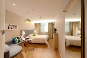 Hotel-Room-UVMED
